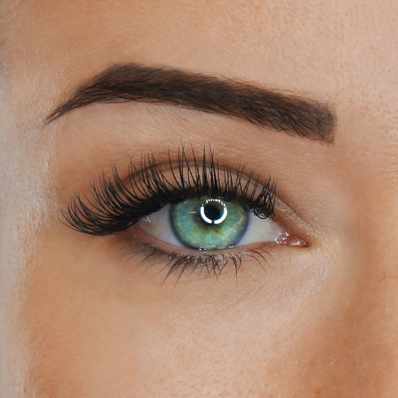 Classic Eyelash Extensions Toronto 100 lashes Per Eye