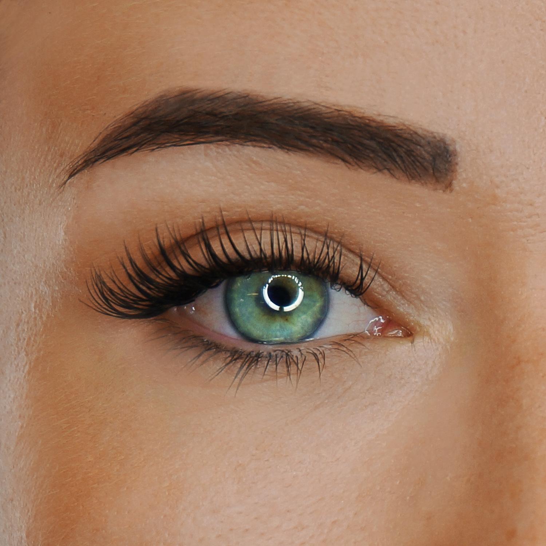 Classic Eyelash Extensions Toronto 80 Lashes per eye